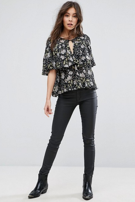 Floral top with skinny jeans